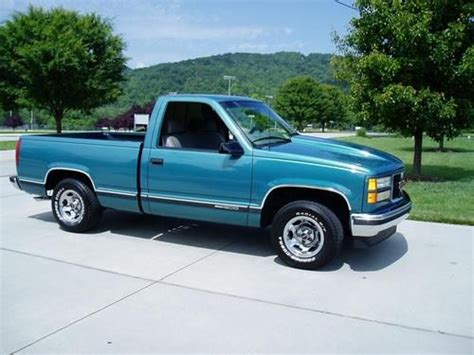 how to learn all about cars 1997 gmc suburban 1500 electronic valve timing buy used 1997 gmc sierra 1500 350 v8 automatic a c great truck 4 the money in