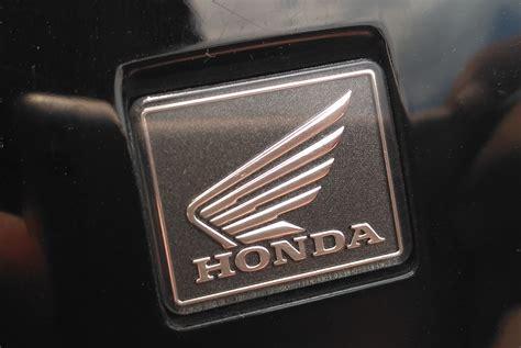 Emblem Logo Honda Mobilio emblem honda merah emblem honda car sticker picture more