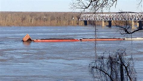 towboat hits vicksburg bridge barges break free when vessel hits old u s 80 bridge