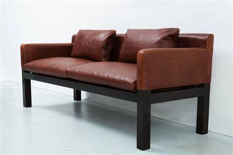 ashwood sofas dunbar ashwood post and beam leather sofa by john saladino