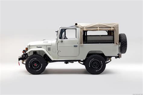 jeep toyota the best used 4 215 4 jeep to a defender is a toyota