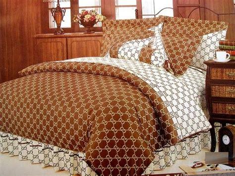 gucci bedding comforters king o gucci comforter set jpg 580 215 435 bed sets bed sets
