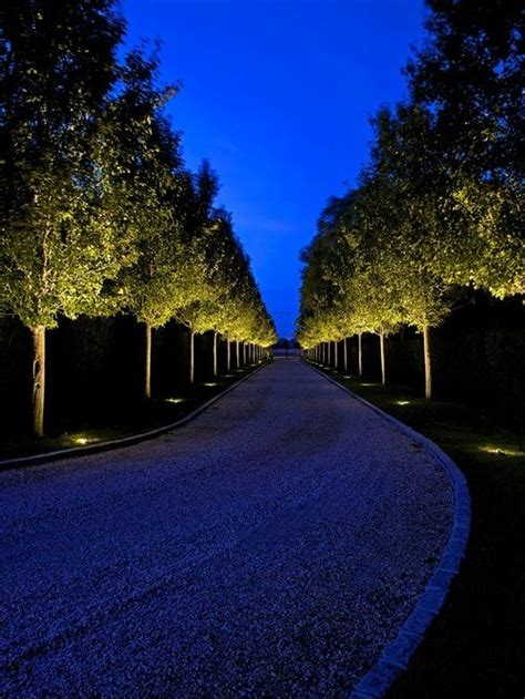 Landscape Lighting Driveway Best 25 Driveway Lighting Ideas On Solar