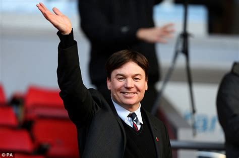 mike myers football mike myers austin powers at liverpool v fulham daily