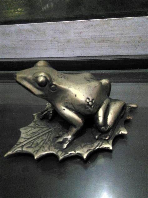Patung Kuningan Dan Fiber jual patung hewan kodok kuningan 2 dhammamanggala