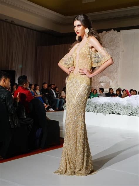 Gaun Pernikahan Ivan Gunawan dan mewahnya koleksi gaun pengantin emas ivan gunawan lifestyle liputan6