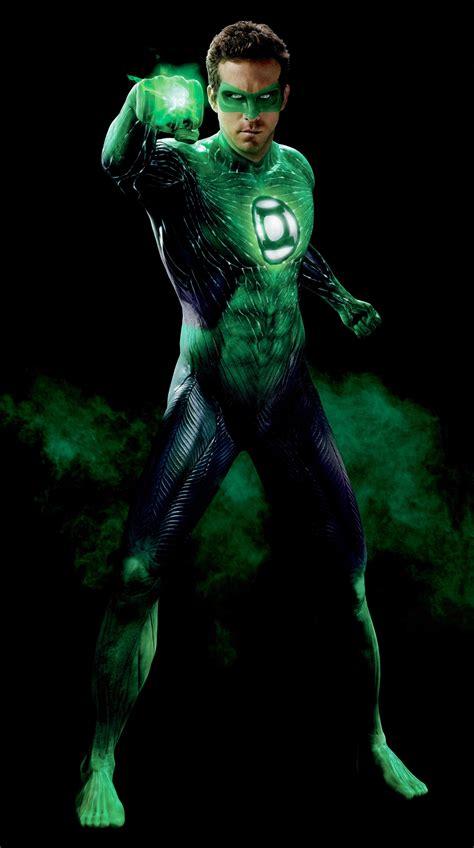 warner bros wants edgier and darker green lantern 2 with new director