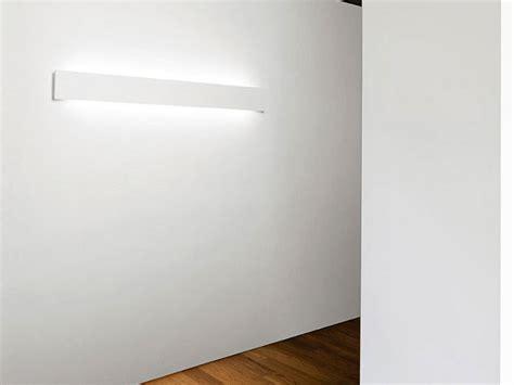 sforzin illuminazione paderno lada da parete a led a luce indiretta in gesso milos by