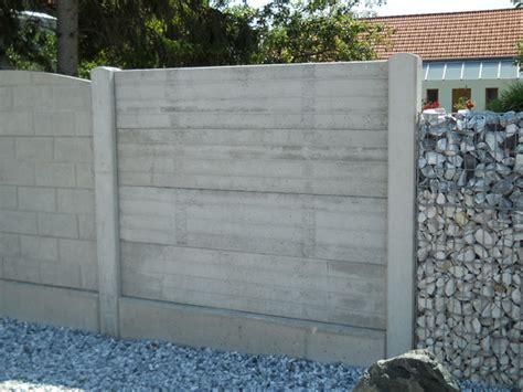 Betonfertigteile Gartenmauer