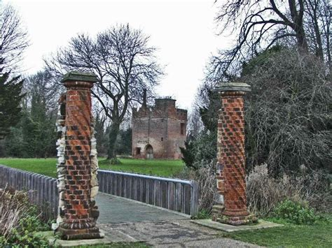 rye house entrance to rye house with gatehouse in 169 christine matthews geograph britain