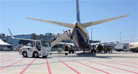 volo soggiorno ledusa il 21 giugno un volo malta comiso attualit 224 comiso