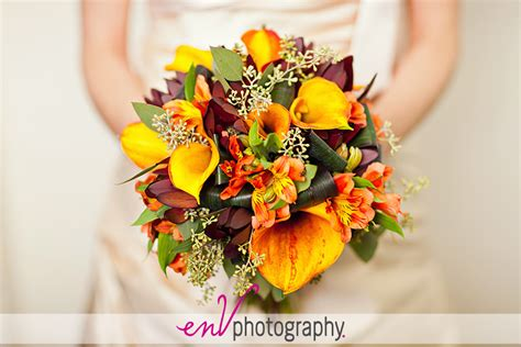 fall flowers for weddings bright fall wedding bouquet with yellow calla lilies