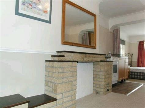 one bedroom flat for rent in slough to rent apartment slough 1 bed 163 650 pcm private landlord