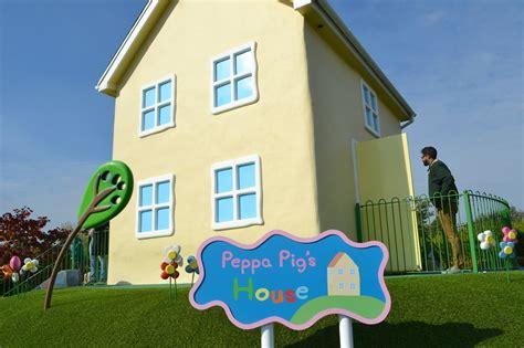 peppa pig house peppa pig world and paultons park tin box traveller
