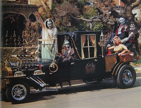 Muster Mobile Munster Garage A Look At The Hellraisin Hotrods Of The Munsters Strange Club