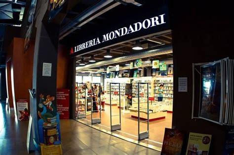 librerie mondadori a libreria mondadori foto di cinema modena