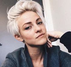 Frisyrer Lockigt Hår 2016 by 2016 Cool Pixie Haircuts For Oval Faces Hairstyles 2016