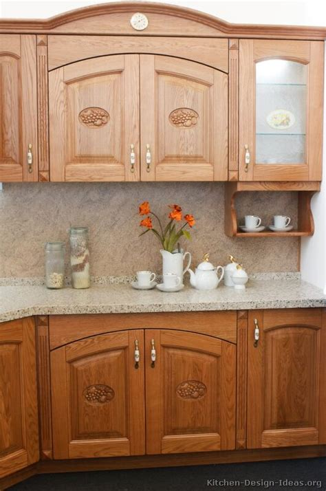 medium brown kitchen cabinets pictures of kitchens traditional medium wood cabinets golden brown