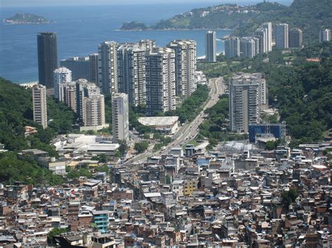 imagenes areas urbanas rocinha favela this is one of the largest shantytowns in