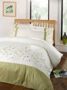 lime green colour 2 tone stylish embroidered duvet cover