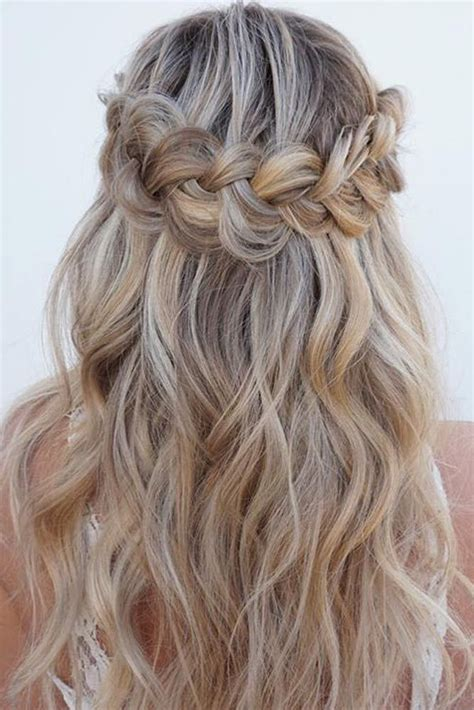 cute curly hairstyles for christmas hair