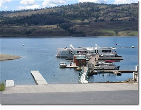 houseboat purchase planning before buying a new houseboat considerations