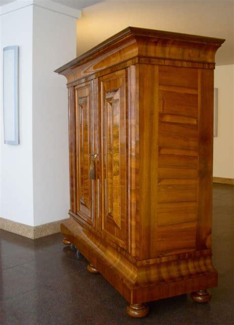 frankfurter schrank frankfurter wellenschrank barock schrank um 1740 antike