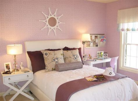 wallpaper for girls bedroom wallpaper in cool shade of pink can instantly transform your little girl s bedroom decoist