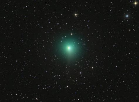 comet 41p green comet flyby on april 1st 2017 pictures and video strange sounds