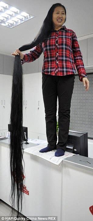 25 000 panjang x foto wanita ini punya rambut panjang hir 3 meter