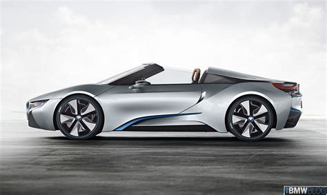 Bmw Motorrad Nyc by Uma Thurman Helps Unveil The Bmw I8 Concept Roadster In Nyc
