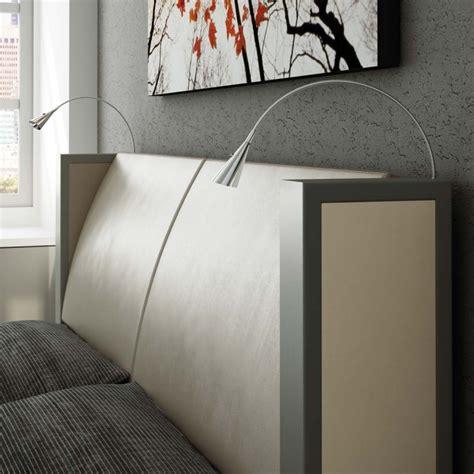 leuchte bett kopfteil leseleuchte am bett montieren f 252 r modernes schlafzimmer
