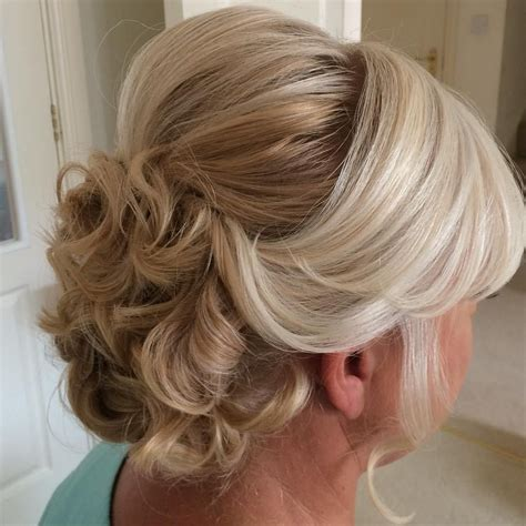 hairstyles for mother of the bride oval shaped face 40 ravishing mother of the bride hairstyles updo