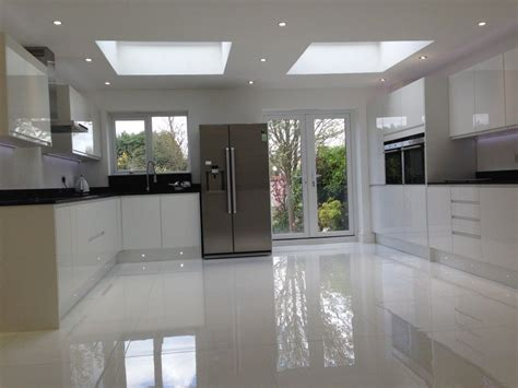 high gloss tiles  kitchen  good algarve