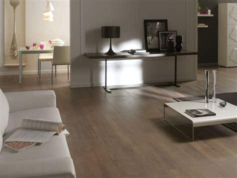 pavimento esterno effetto legno pavimenti effetto legno piastrelle in gres interno ed