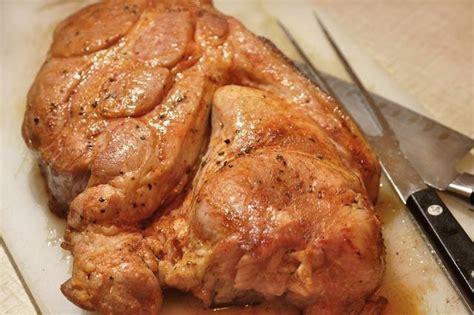 cucinare spalla di maiale come cucinare una spalla di maiale fresco al forno