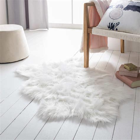 tappeto pelo lungo tappeto pelo lungo formato piccolo casa bianco kiabi