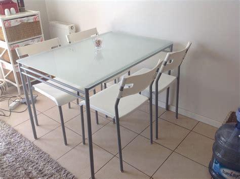 Ikea Masa | beyaz ikea ikea cam masa ve sandalye takımı kullanılmış
