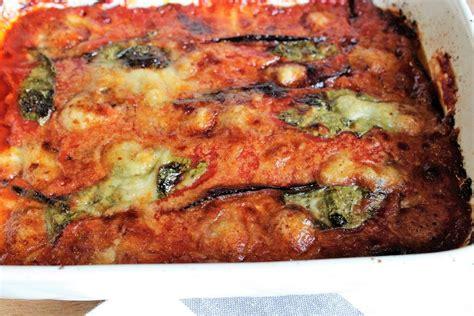 cucina melanzane alla parmigiana parmigiana di melanzane la ricetta originale con varianti
