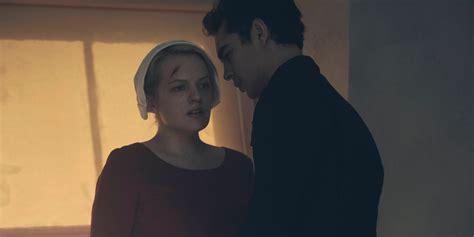 handmaid s margaret atwood helps handmaid s tale season 2 screen rant