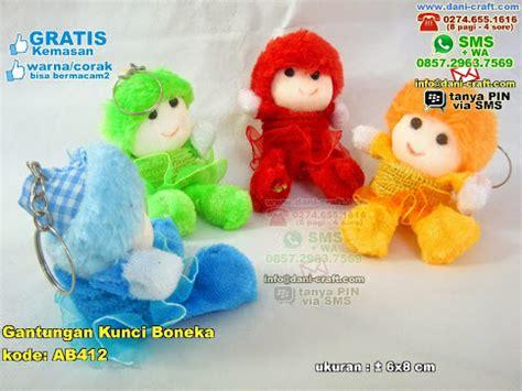Gantungan Kunci Boneka 2 gantungan kunci boneka warna souvenir pernikahan