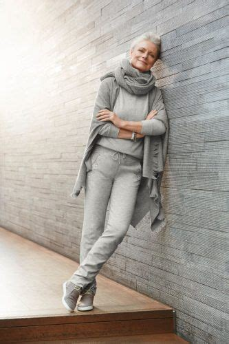 comfortable clothing for women over 60 casual outfit ideas for women over 60 how to dress in your 60s