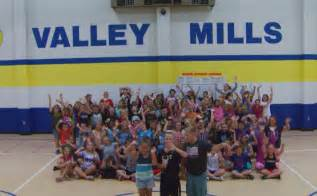Mills Elementary Valley Mills Elementary Gives Their Daybreak Up Call