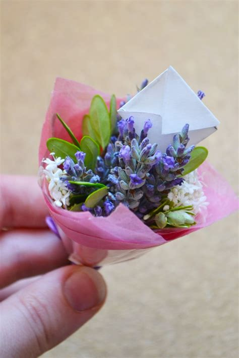Mimi Flower Craftionary