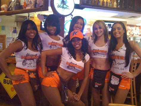 hooters atlanta georgia hooters in atlanta ga yelp