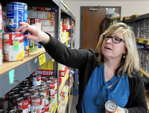 Vernon Township Food Pantry by Lake County Food Pantries See Greater Need For Volunteers