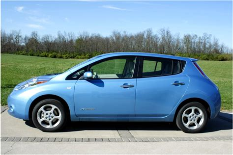 cars nissan nissan leaf electric car photo price and specifications