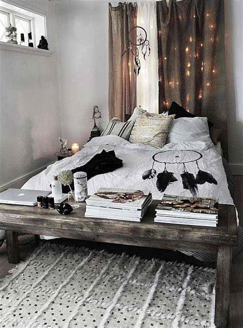 bohemian inspired bedroom bohemian bedroom decor on pinterest indie room decor