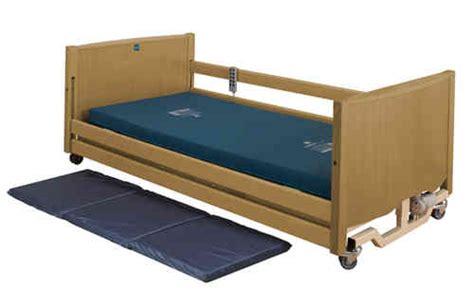 bed light nursing home beds gt hospital beds nursing home beds