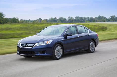 honda accord 2014 hybrid green car reports best car to buy 2014 honda accord hybrid